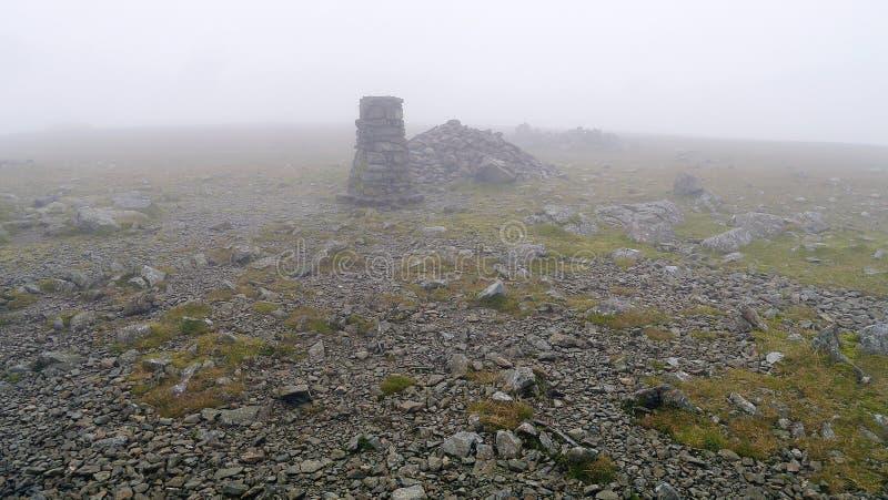 Cimeira da coluna na baixa visibilidade fotografia de stock royalty free