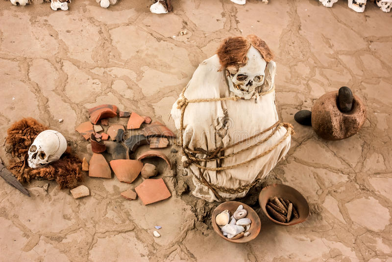 Cimetière antique de Chauchilla au Pérou, maman de bébé image libre de droits