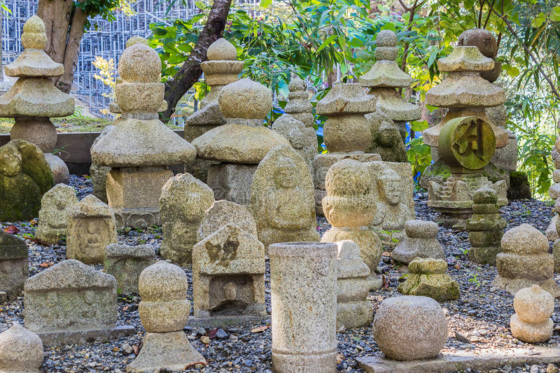 Cimetière bouddhiste au temple de Kiyomizu-dera photographie stock