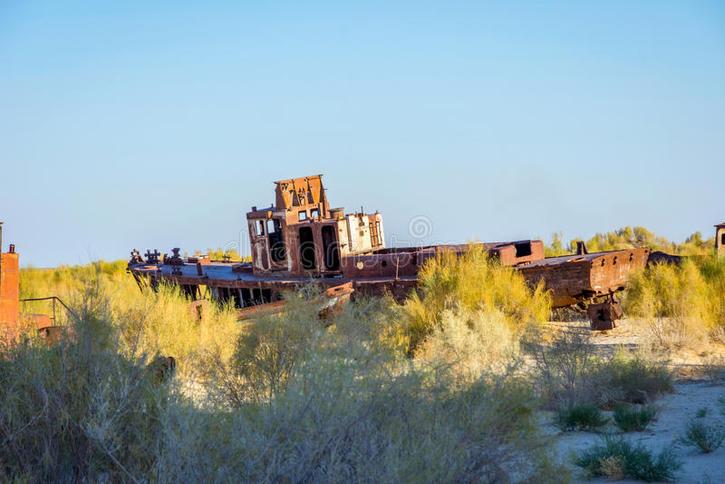 Cimetière de bateau, mer d'Aral, l'Ouzbékistan photographie stock