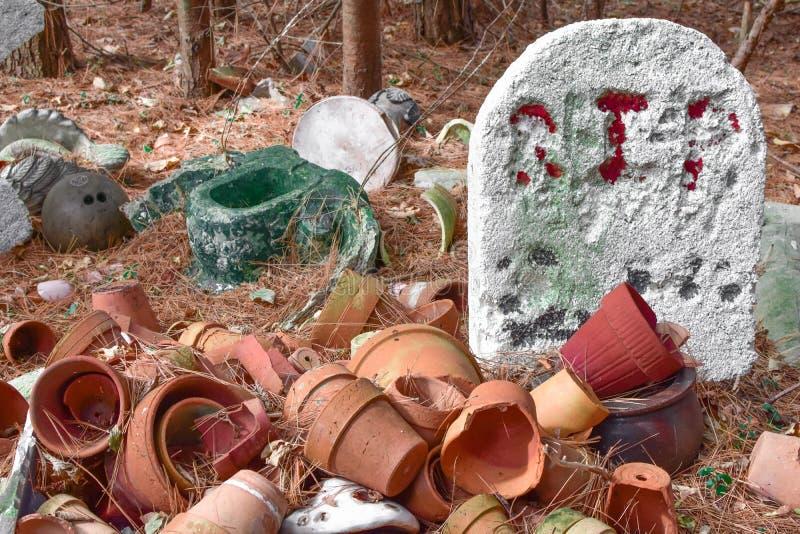 Cimetière de poterie images libres de droits