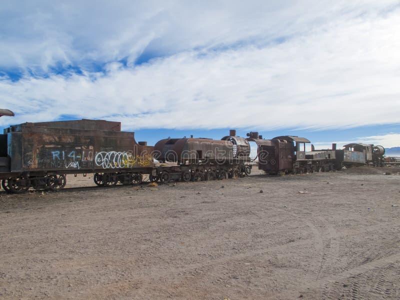 Cimetière de train en Bolivie image stock