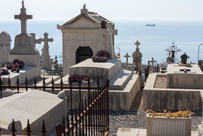 Cimetière marin près de la mer chez Sete dans les sud de la France photo stock