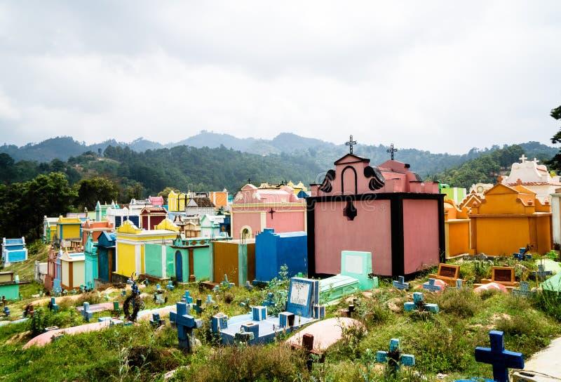 Cimetière traditionnel Chichicastenango - au Guatemala photo stock