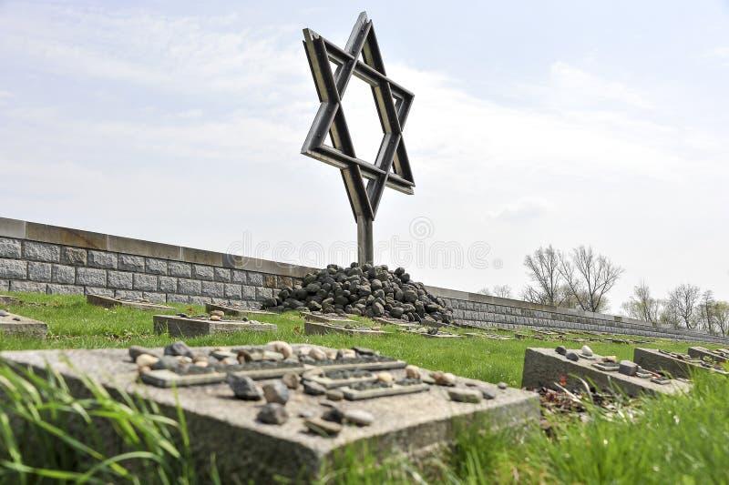 Cimitero di guerra di Terezin fotografia stock