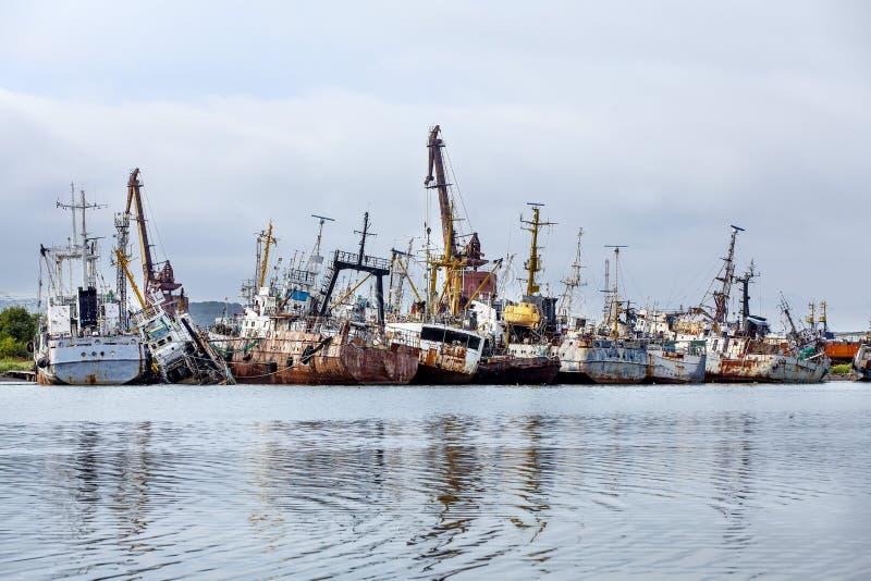 Cimitero di vecchie navi fotografia stock libera da diritti