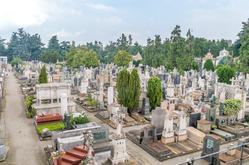 Cimitero Monumentale diMilano monumental kyrkogård royaltyfri foto