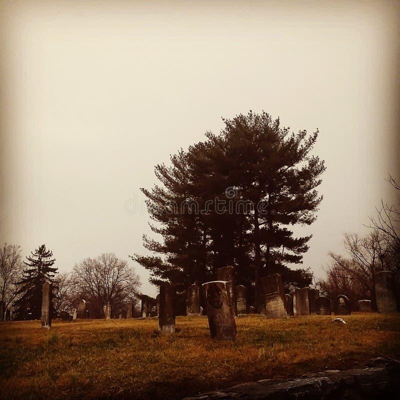 Cimitero terrificante immagine stock libera da diritti
