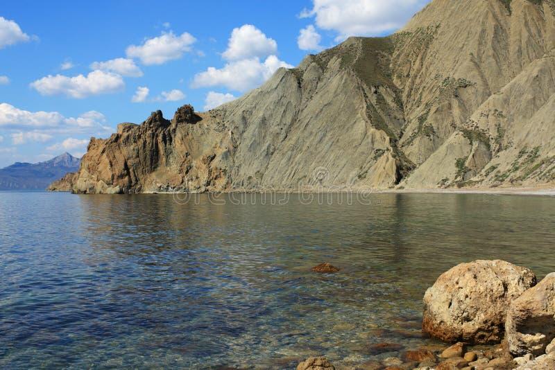 Cimmerische bergen en het overzees. Foto 9119 royalty-vrije stock afbeeldingen