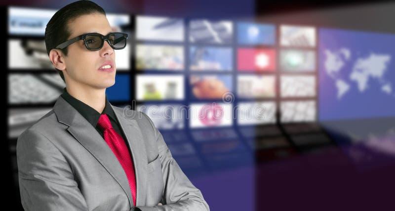 Cinéma en glaces 3D neuves avec le spectateur de garçon photo libre de droits