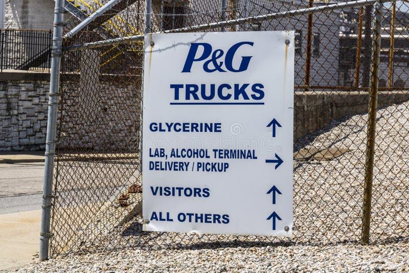 Cincinnati - cerca do maio de 2017: Entrada do caminhão de Procter & Gamble na facilidade V da tela e de assistência ao domicílio imagem de stock royalty free