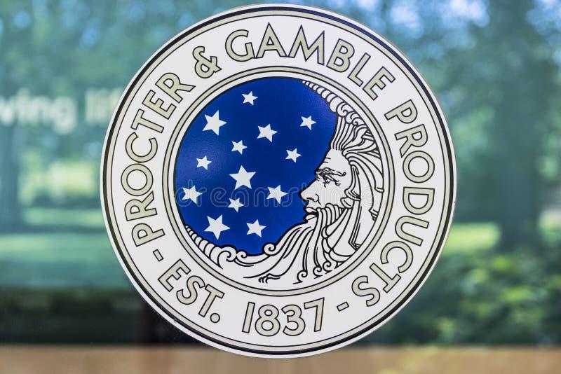 Cincinnati - cerca do maio de 2017: Logotipo incorporado original de Procter & Gamble P&G é um Multinacional americano Bens de co fotografia de stock royalty free
