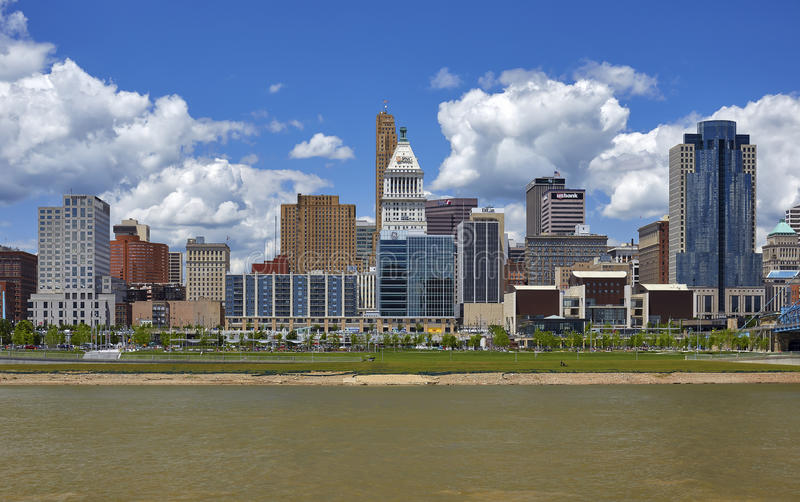 Cincinnati-Skyline lizenzfreies stockfoto