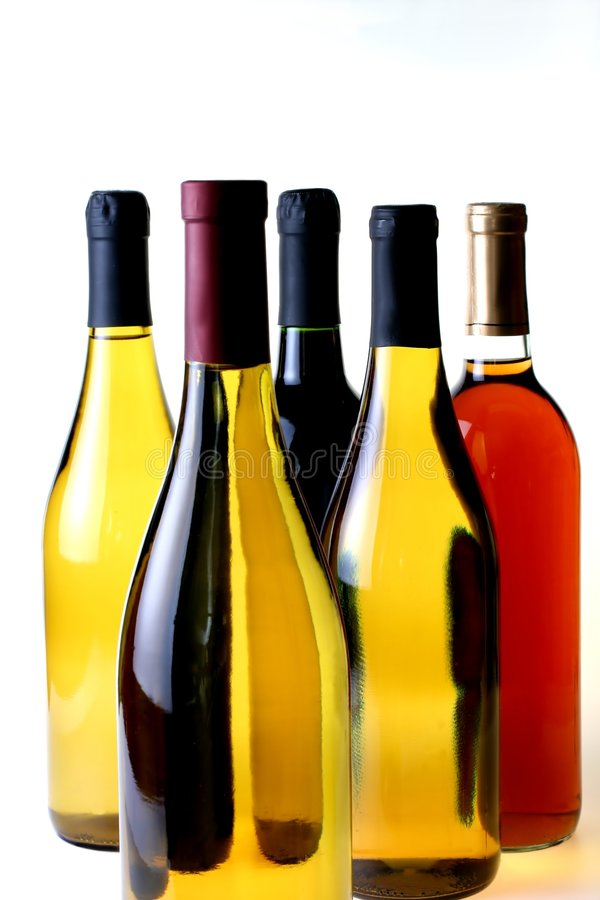 Cinco botellas de vino foto de archivo libre de regalías