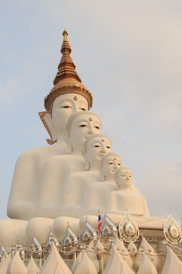 Cinco Budas no templo do phasornkaew de Wat, opinião de Bigwhite de A de Beauti fotos de stock
