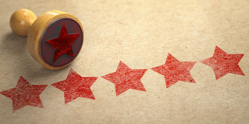 Cinco estrellas impresas en el papel del arte con el sello Clasificación, la mejor opción, experiencia del cliente y concepto lla ilustración del vector