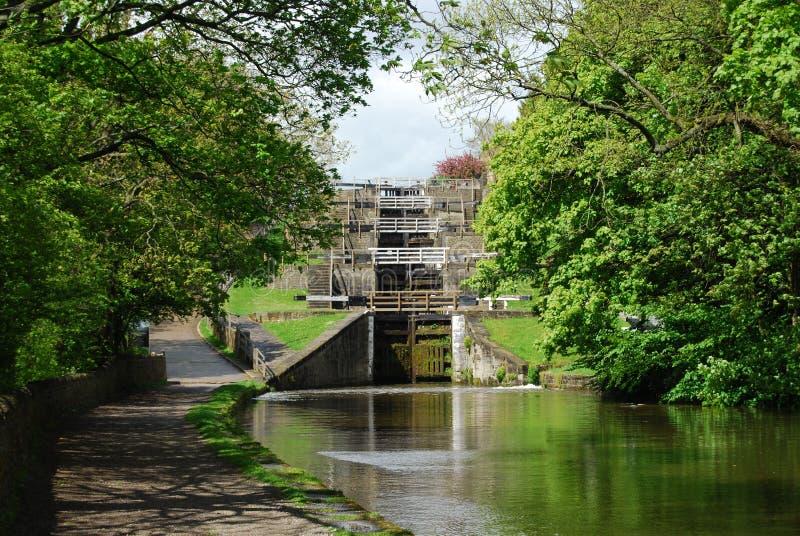 Cinco fechamentos da elevação em Bingley ocidental - yorkshire foto de stock