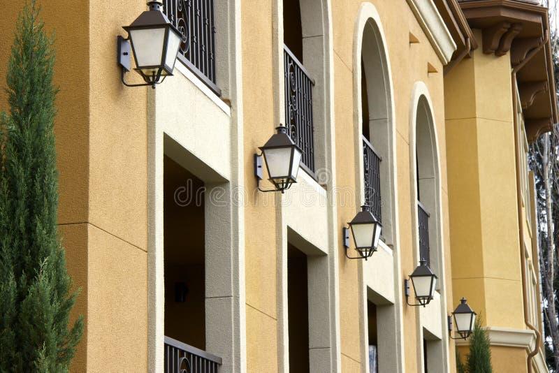 Cinco luzes sob os arcos fotografia de stock royalty free