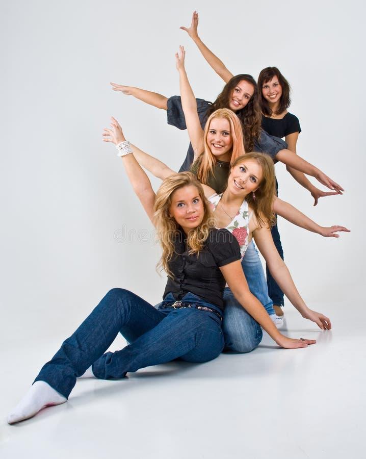 Cinco mulheres felizes imagem de stock royalty free
