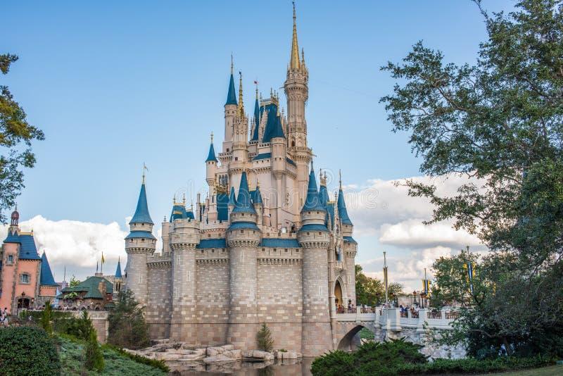 Cinderella Castle på det magiska kungariket, Walt Disney World royaltyfri bild