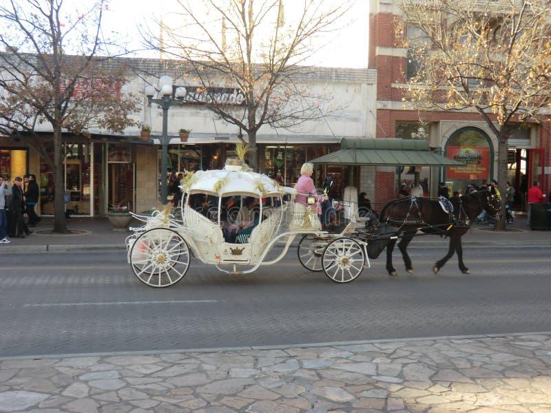 Cinderella triumfvagn i San Antonio arkivbild