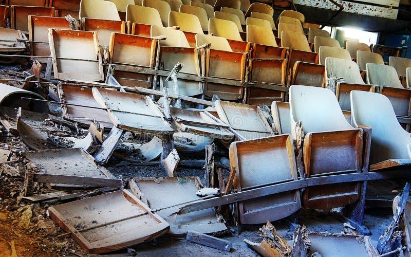 Cinema abandonado foto de stock royalty free