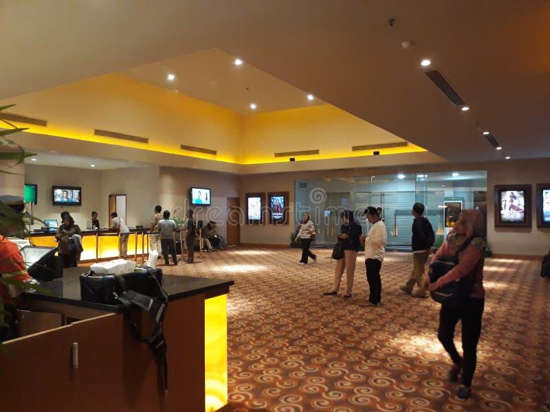 Cinema XXI dentro de um shopping 21 cinemas s?o a segunda - corrente a maior do cinema em Indon?sia foto de stock