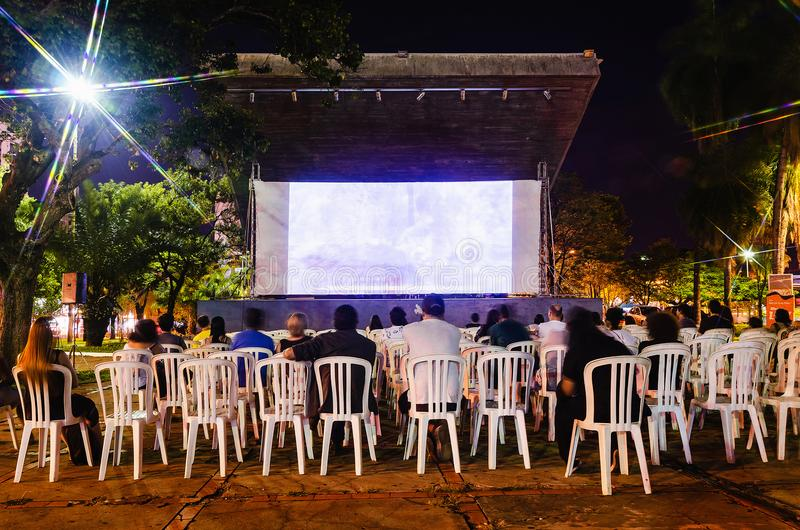 Cinematografía Novo Oeste del festival que trae la cultura y el producti local imágenes de archivo libres de regalías