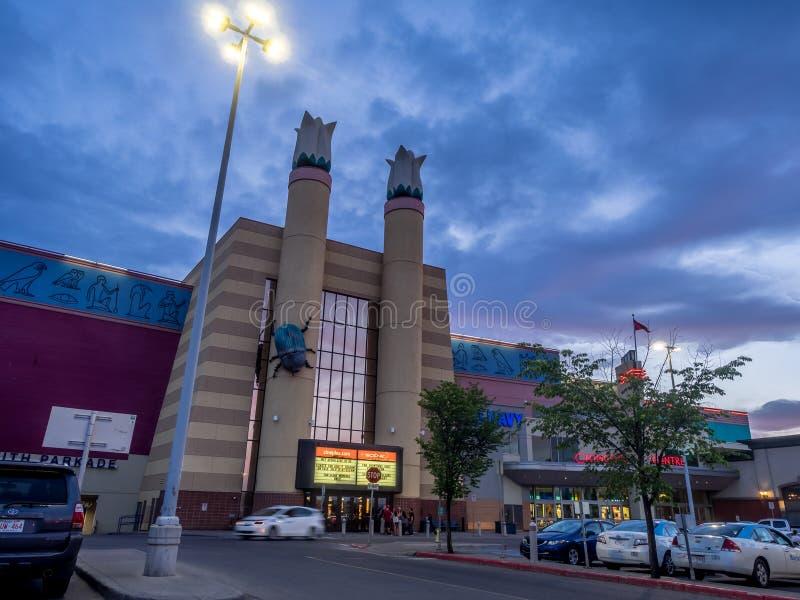 Cineplex-Filmtheater am Chinook-Mittemall lizenzfreies stockbild