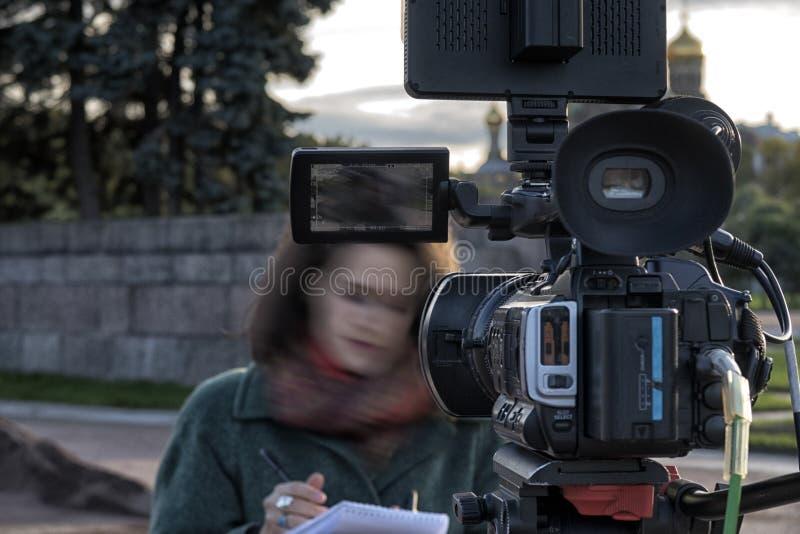 Cinepresa di televisione nello studio fotografia stock libera da diritti