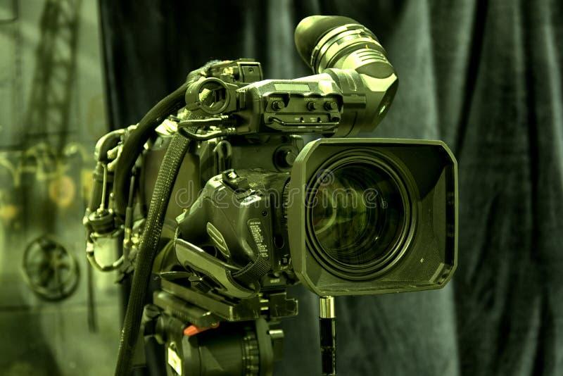 Cinepresa di televisione nello studio immagini stock