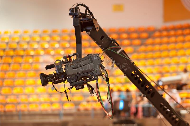 Cinepresa di televisione in studio immagine stock libera da diritti
