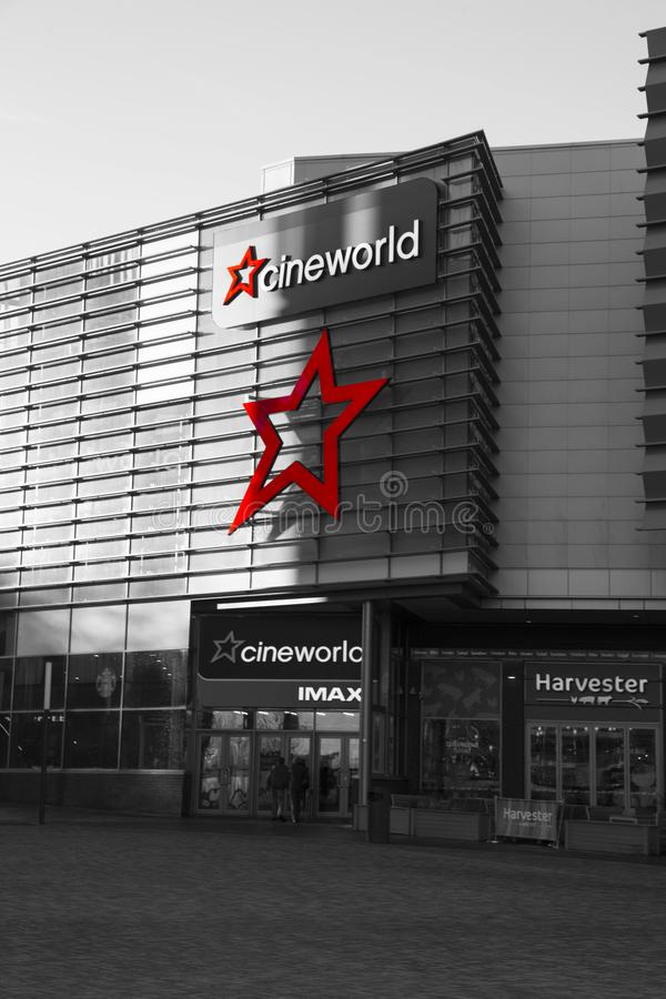 Cineworld Imax kino przy Sothwater, Telford, Shropshire, z selekcyjnym kolorem zdjęcie stock