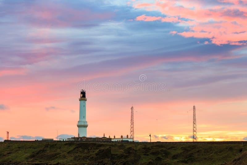 Cinga il faro di Ness durante l'alba a Aberdeen, Scozia Regno Unito fotografia stock libera da diritti