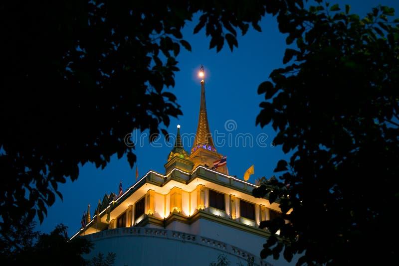 Cinghia di Chedi Phukhao, Bangkok, Tailandia fotografia stock