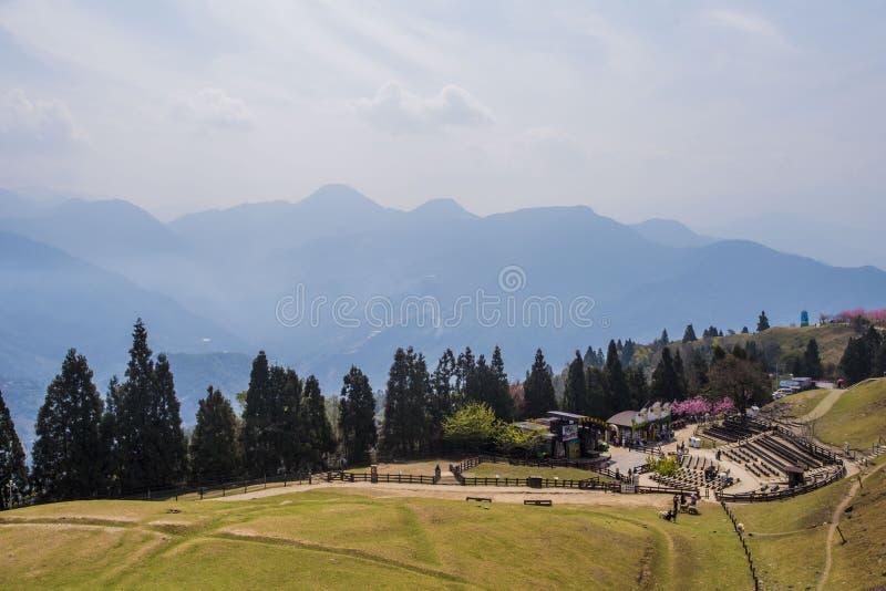 Cingjing lantgård royaltyfri bild