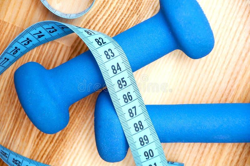 Cink, pesa de gimnasia - equipo del ejercicio imagen de archivo