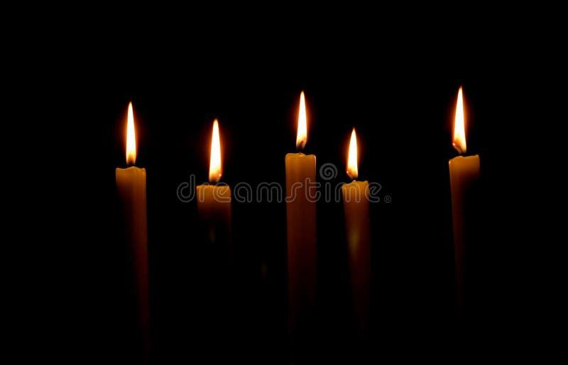 Cinq bougies image libre de droits