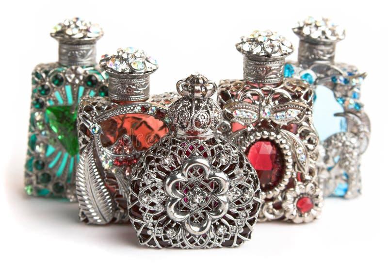 Cinq bouteilles de parfum images libres de droits