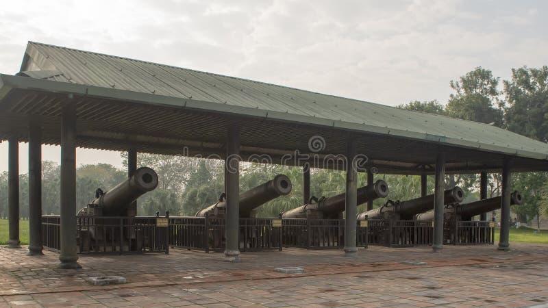 Cinq des neuf canons saints, citadelle, Hue, Vietnam photo stock