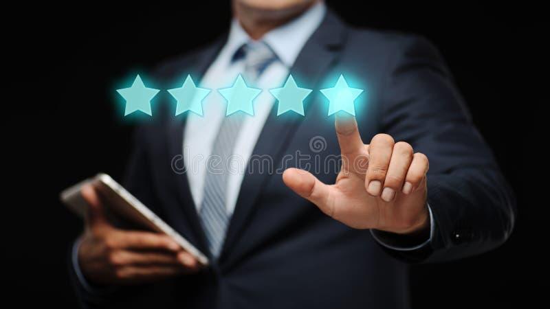 5 cinque stelle che valutano concetto di vendita di Internet dell'azienda di servizi di rassegna di qualità migliore fotografia stock libera da diritti