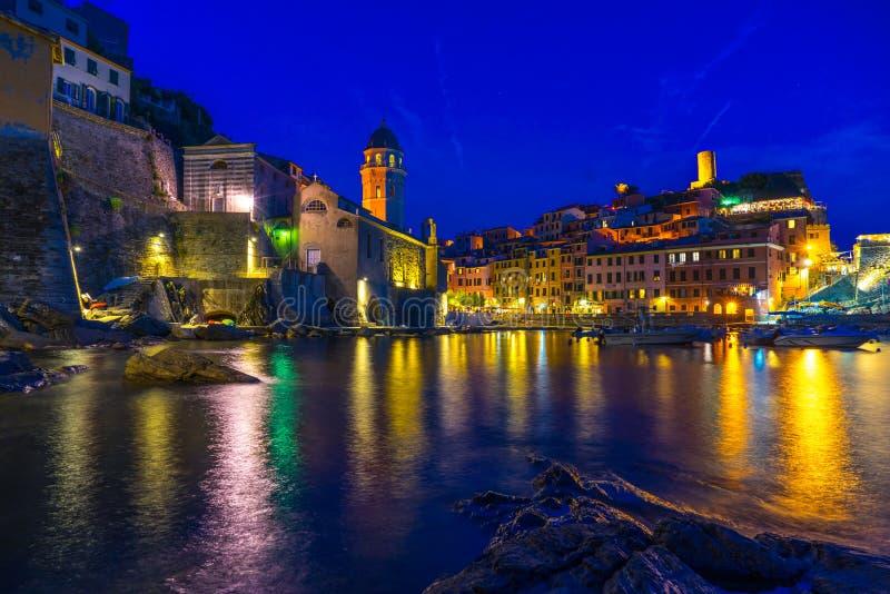 Cinque Terre, Italia en la noche foto de archivo libre de regalías