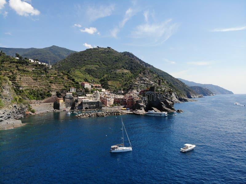 Cinque Terre Italy-Klippenküste stockbild