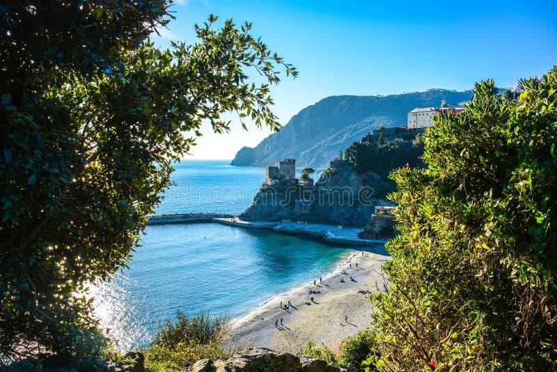 Cinque terreväg av förälskelse Italien royaltyfri bild