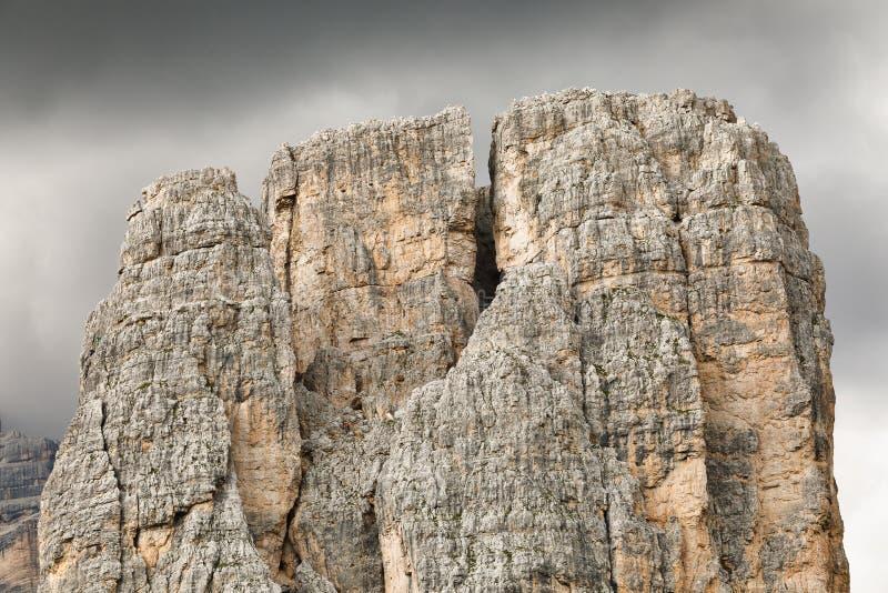 Cinque Torri, italienische Dolomit, Detail des Hauptturms stockfotos