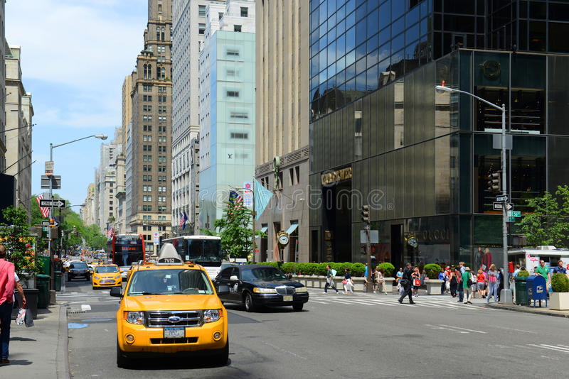 Download Cinquième Avenue, Manhattan, New York City Image éditorial - Image du ville, manhattan: 76089800