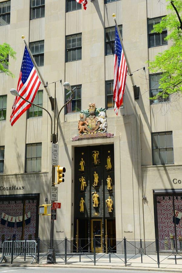 Download Cinquième Avenue, Manhattan, New York City Image stock éditorial - Image du métropolitain, luxueux: 76089894