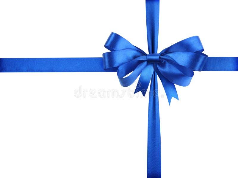 Cinta azul con un arqueamiento como regalo en un blanco imagen de archivo libre de regalías