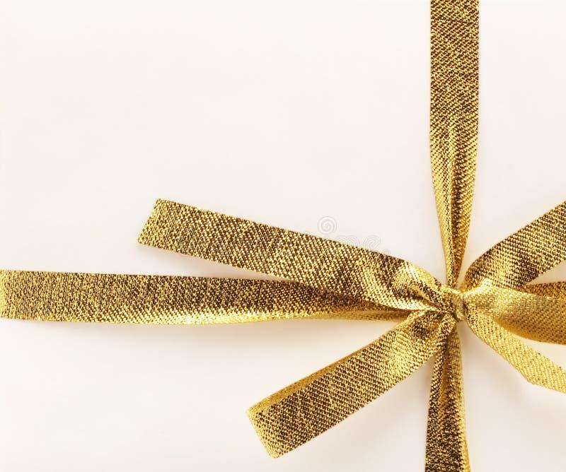 Cinta de oro del regalo imagen de archivo libre de regalías
