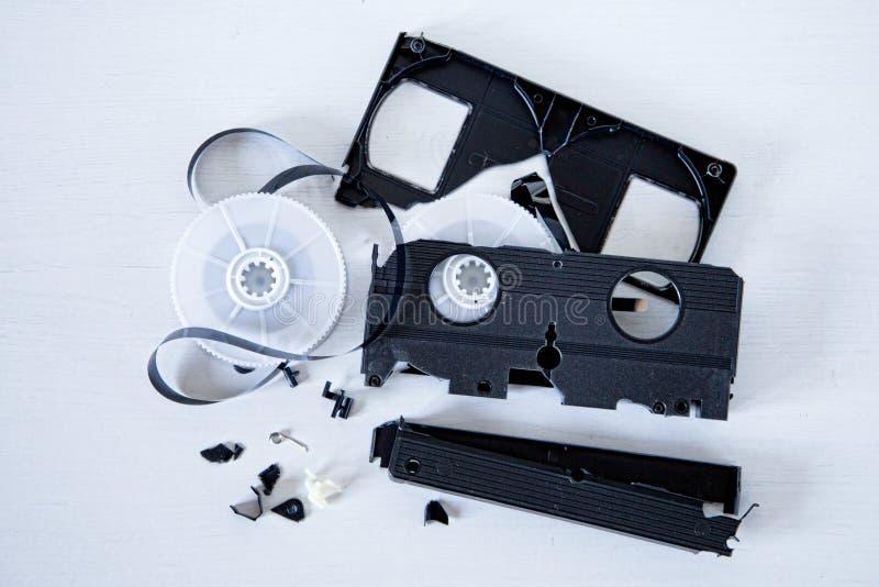 Cinta vieja de VHS rota imagen de archivo